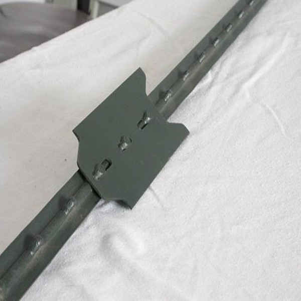 American Market Galvanized or Green Metal T Fence Post